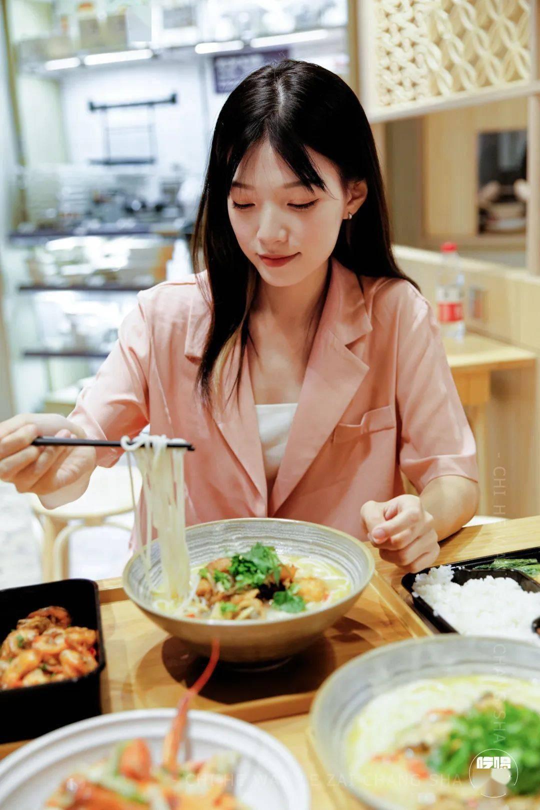 """""""餐厅+生鲜+便利店""""三店合一新零售模式,正大集团""""福来食集""""首店开业!"""