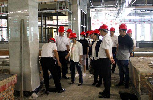 重庆荣昌区副区长刘菊华来绵阳考察智慧农贸建设,政府领导关心的还是这类民生工程。